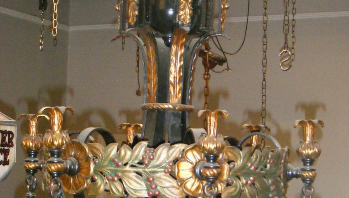 6-Light Berry & Leaf Brass Chandelier