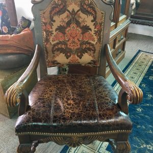Antique Style Throne Chair