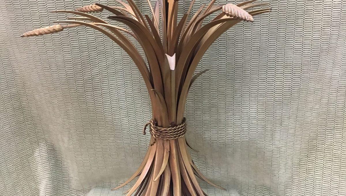 Bundle of Wheat Metal Table Lamp